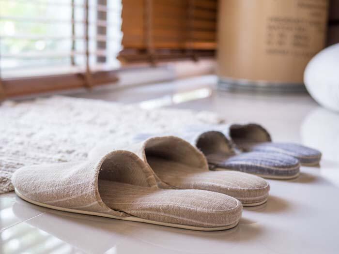 Evde kullandığımız terliklerin temizliği ile ilgili ne yapabiliriz?